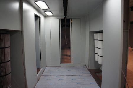 Wnętrze kabiny lakierniczej